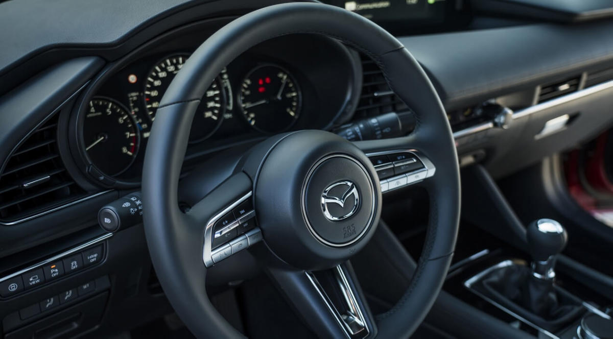 Рулевое колесо Mazda 3