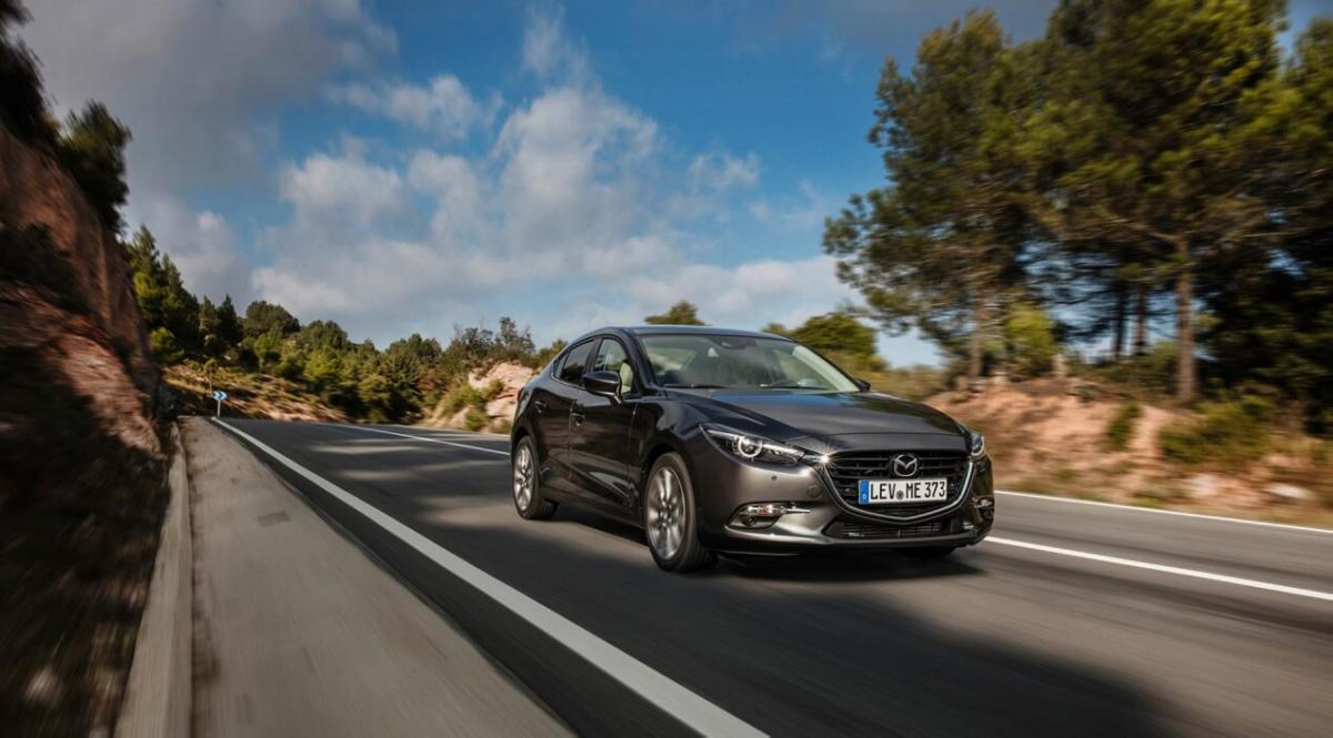 Mazda 3 Sedan - 2016