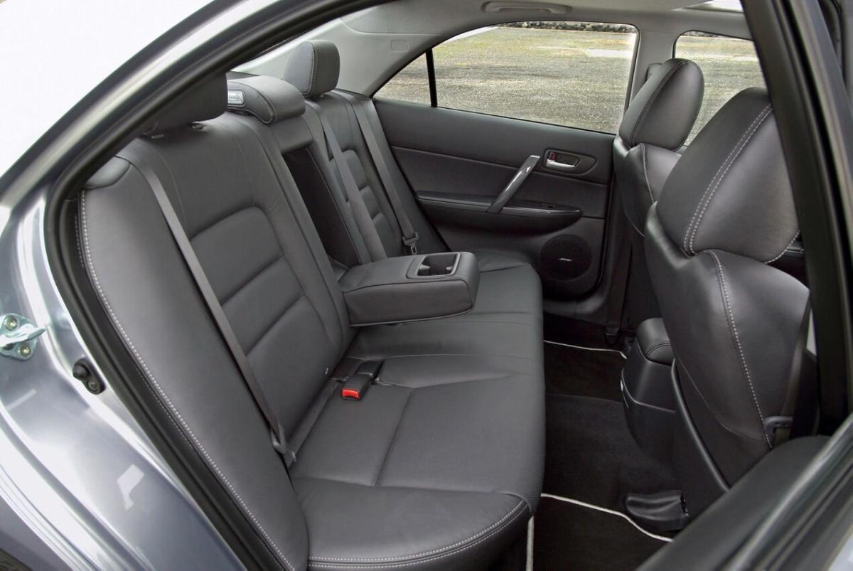 Интерьер Mazda 6 I поколение