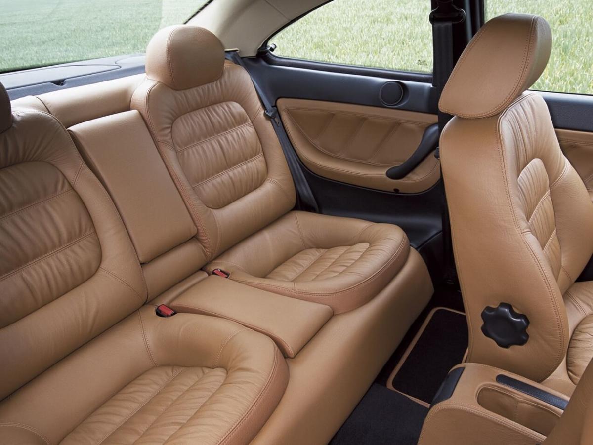 Интерьер Peugeot 406