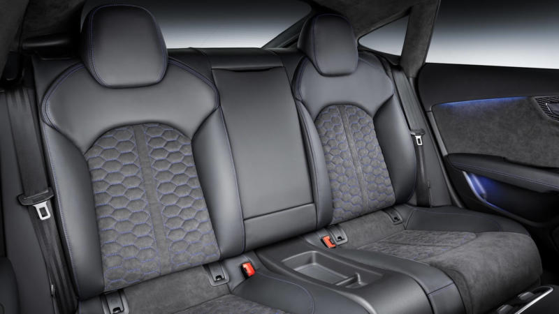 Задний диван Audi RS7