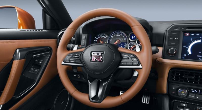 Рулевое колесо Nissan GT-R
