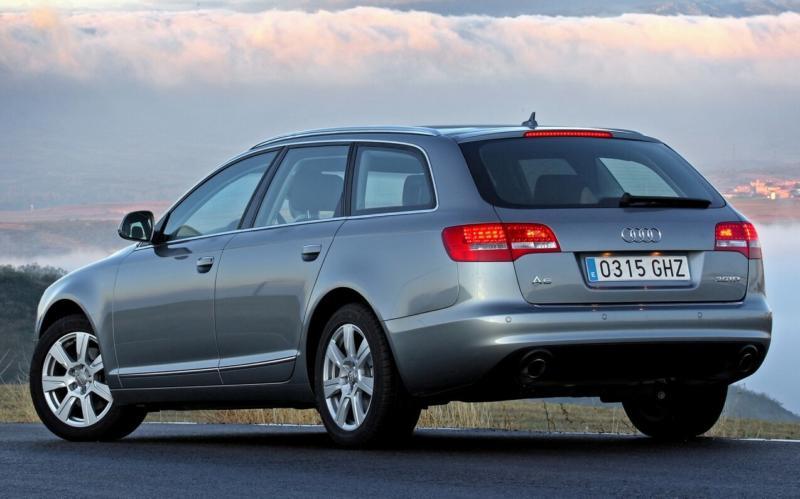Вид сзади Audi A6 (C6)