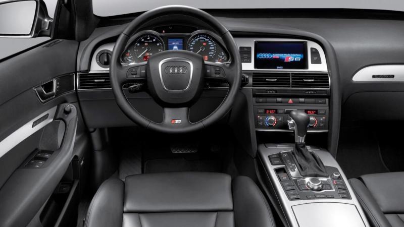 Интерьер Audi A6 (C6)