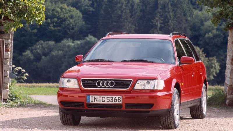 Вид спереди Audi A6 (C4)