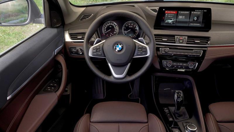 Салон BMW X1 2020