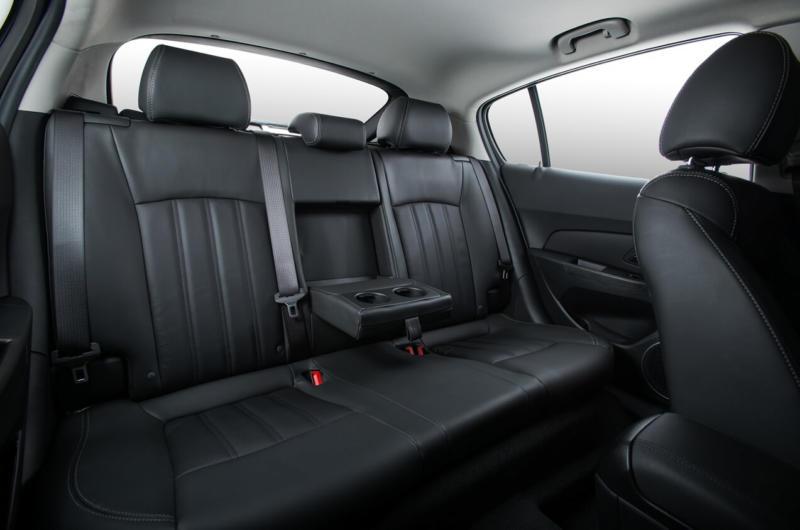 Интерьер Chevrolet Cruze I поколение
