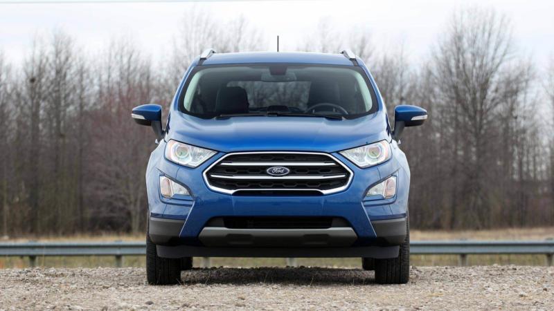Вид спереди Ford EcoSport