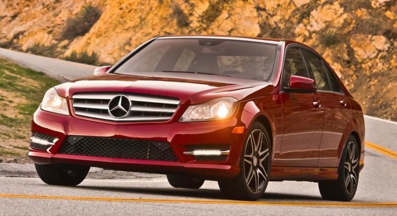 Вид спереди Mercedes-Benz C-Class
