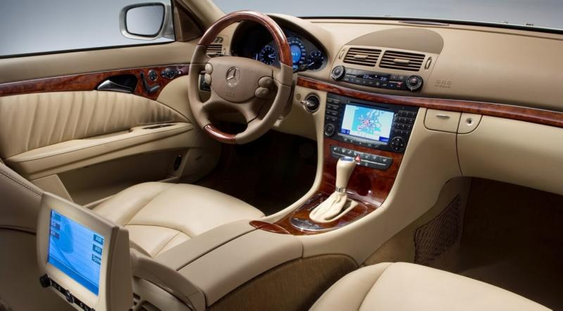 Салон Mercedes-Benz E-Class W211