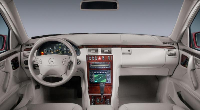 Салон Mercedes-Benz E-Class W210