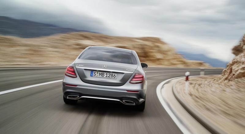 Вид сзади Mercedes-Benz E-Class W213