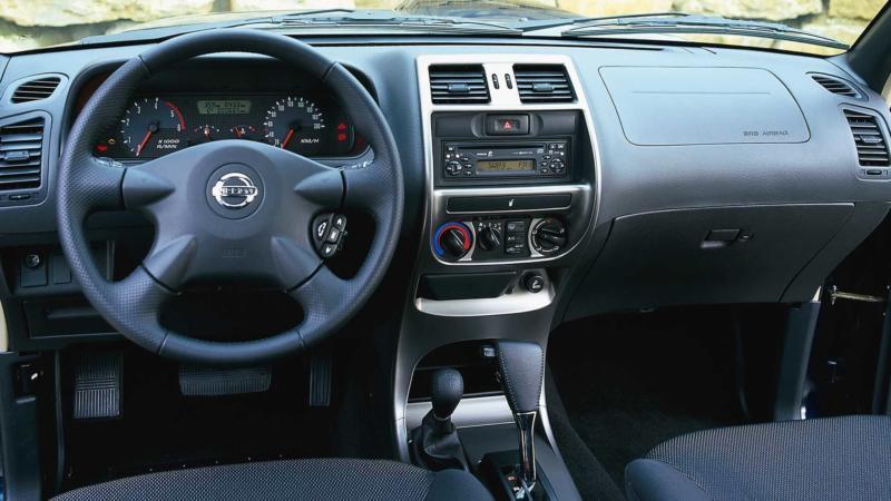 Интерьер Nissan Terrano 2