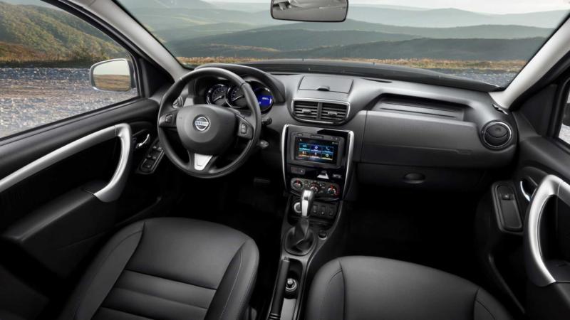 Интерьер Nissan Terrano III