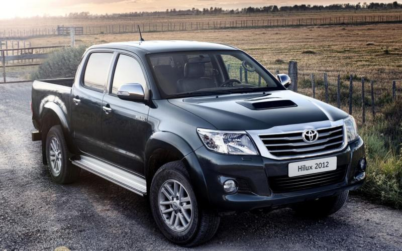 Toyota Hilux 2012 года
