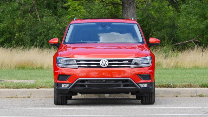 Volkswagen Tiguan вид спереди