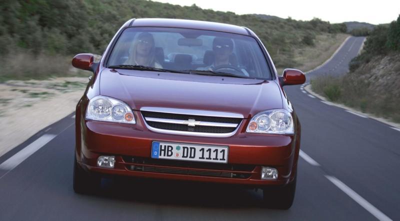 Вид спереди Chevrolet Lacetti