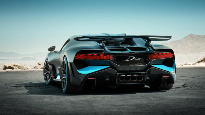 Вид сзади Bugatti Divo