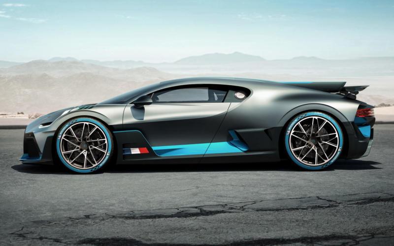 Вид сбоку Bugatti Divo