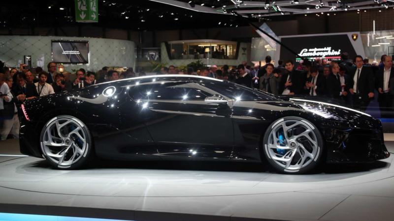 Вид сбоку Bugatti La Voiture Noire