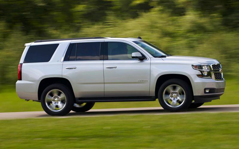 Вид сбоку Chevrolet Tahoe IV