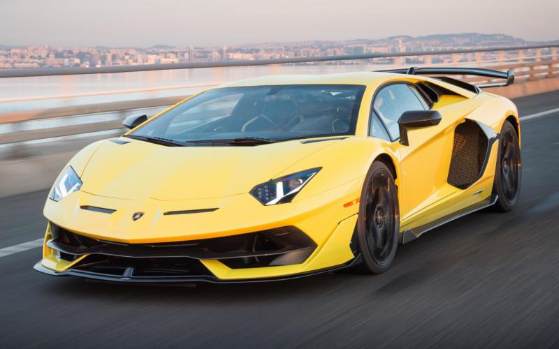 Фото Lamborghini Aventador SVJ