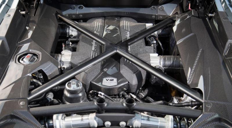 Двигатель Lamborghini Aventador