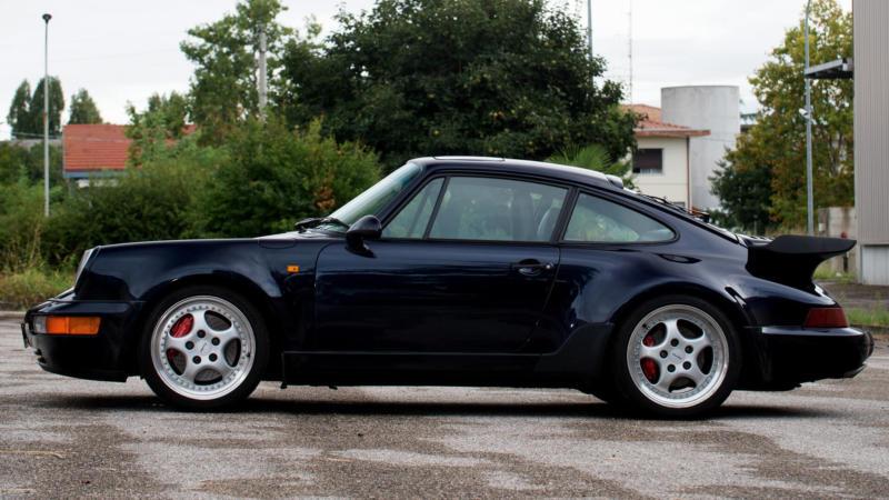 Вид сбоку Porsche 911