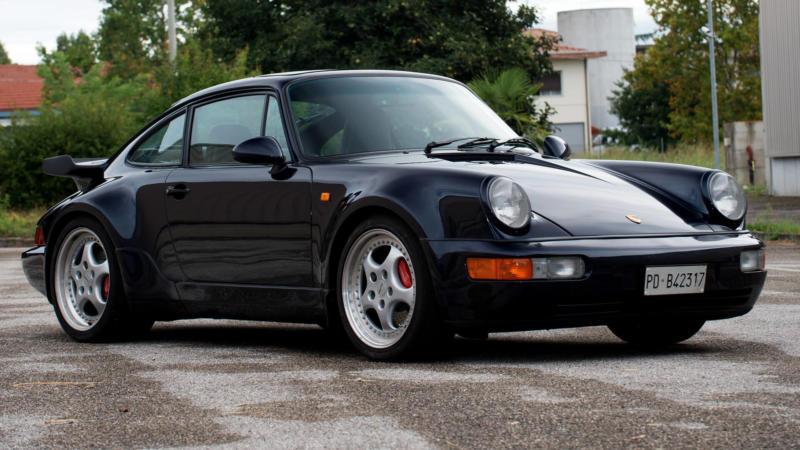 Porsche 911 1990 года