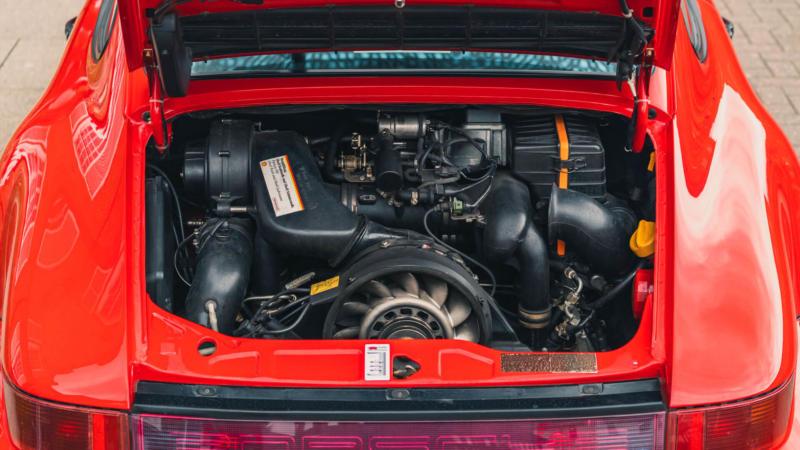 Двигатель Porsche 911