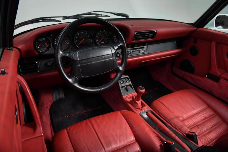 Интерьер Porsche 911
