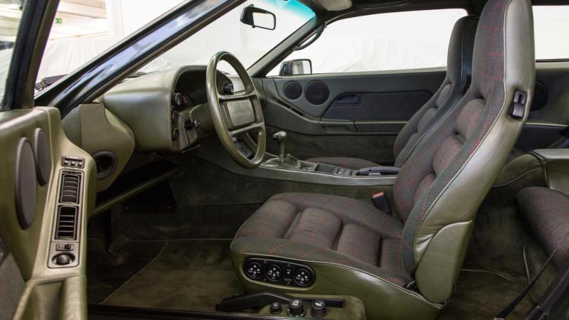 Салон Porsche 928