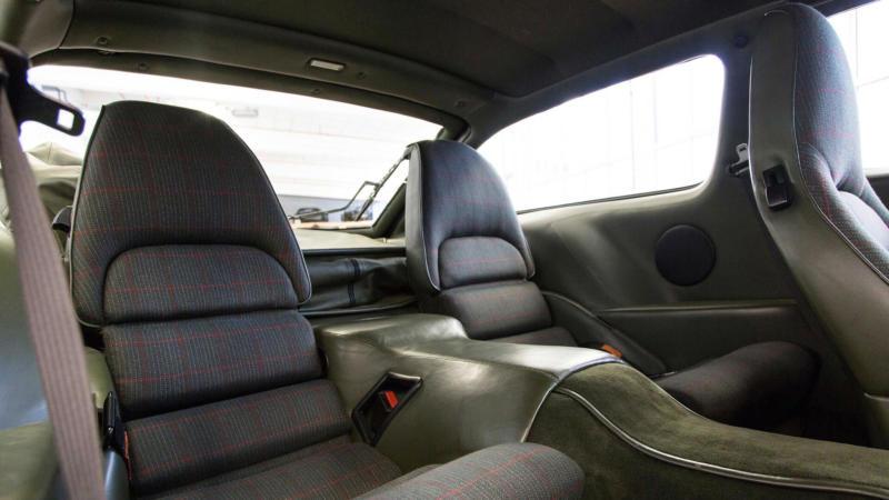 Задние кресла Porsche 928