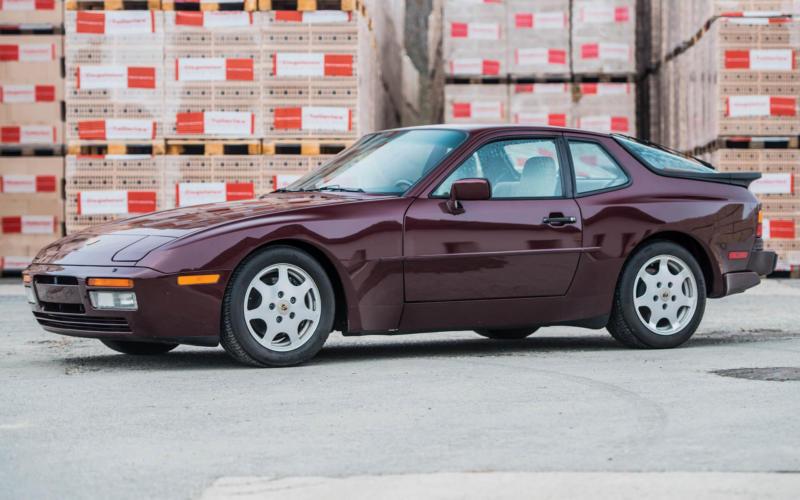 Фото Porsche 944 Turbo S