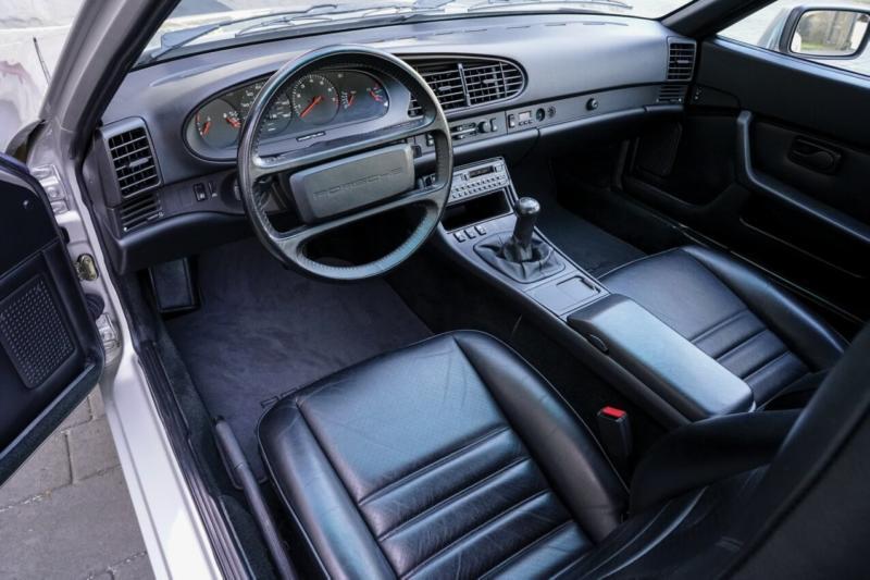 Интерьер Porsche 944