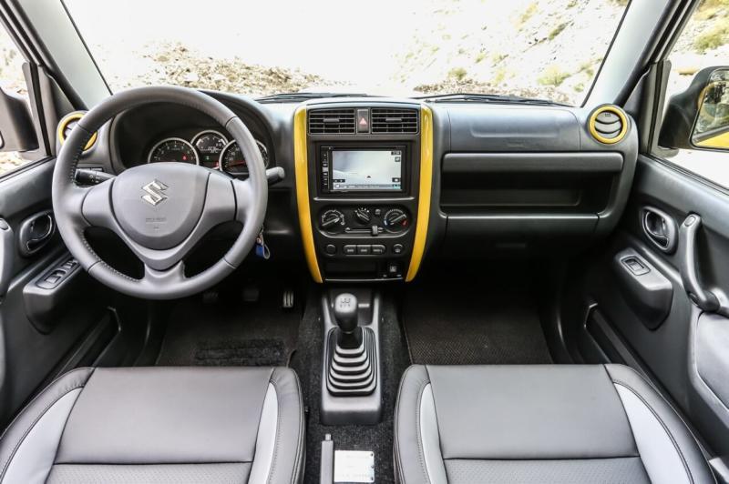 Интерьер Suzuki Jimny JB43