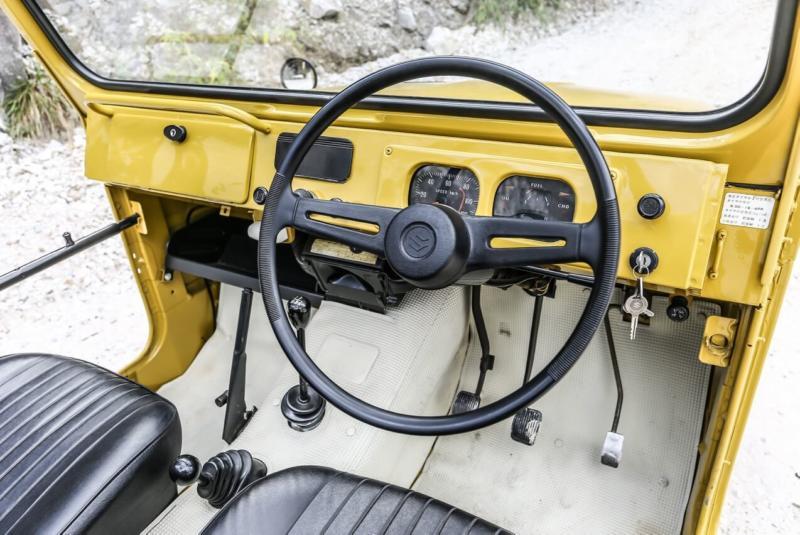 Салон Suzuki Jimny