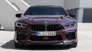 Вид спереди BMW M8 Gran Coupe