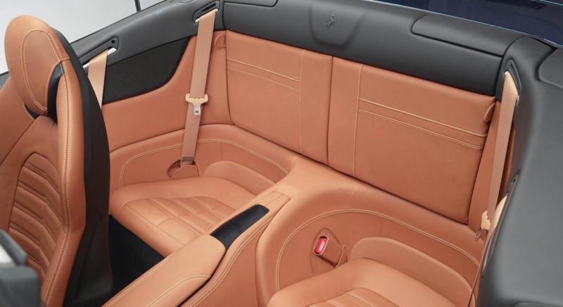 Задние кресла Ferrari California T