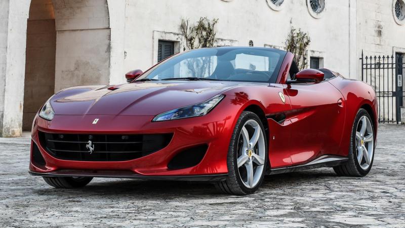 Вид спереди Ferrari Portofino