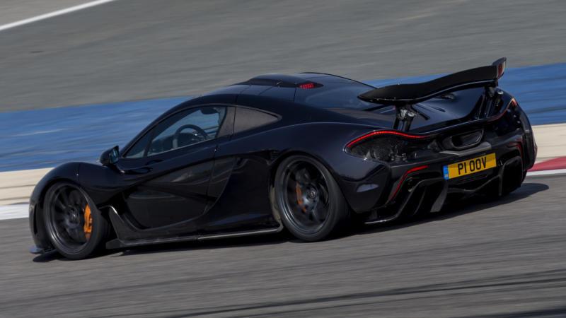Вид сбоку McLaren P1