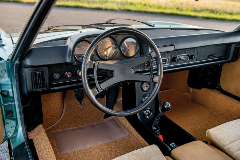 Интерьер Porsche 914
