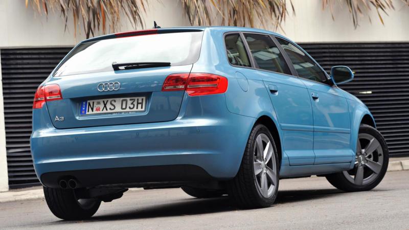 Вид сзади Audi A3 (8P)