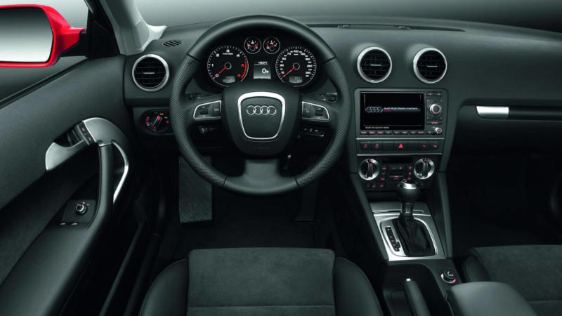 Салон Audi A3 (8P)