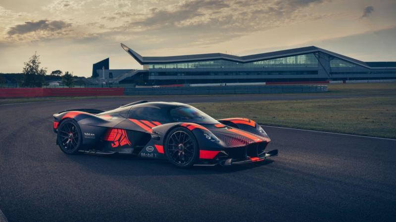Фото авто Aston Martin Valkyrie