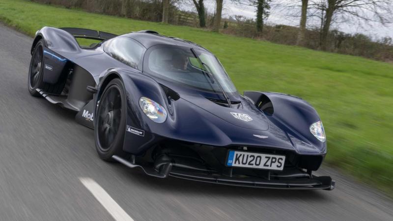 Суперкар Aston Martin Valkyrie