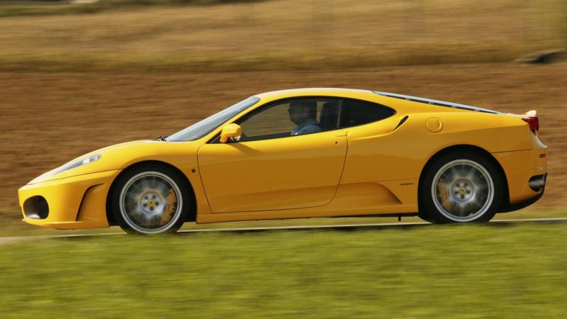 Ferrari F430 вид сбоку
