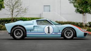 Форд GT40 вид сбоку