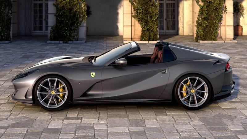 Ferrari 812 GTS вид сбоку
