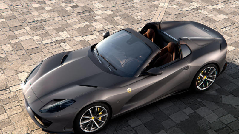 Суперкар Ferrari 812 GTS
